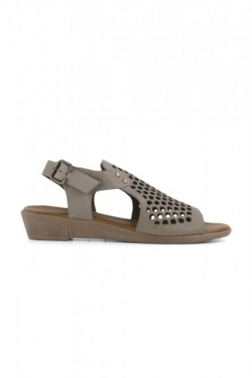 Bueno-Albie-Low-Wedge-Sandal on sale