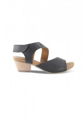 Bueno-Thunder-Mid-Heel-Sandal on sale