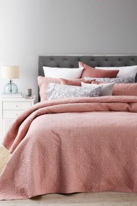 Matilda-Bedcover-Set on sale